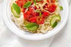 """Вкусные рецепты: Веррины со шпинатом, яйцом и беконом., салат """"Узбекский"""", Мясные крокеты с перепелиным яйцом и зелёным пюре."""