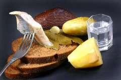 Вкусные рецепты: ponchiki po-usbekski, Капустный салат с виноградом., Кабачковые маффины с грибами.